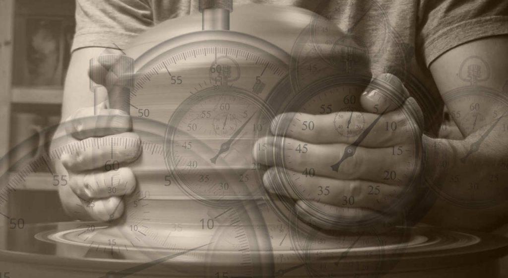 الوقت في استوديو الفخار