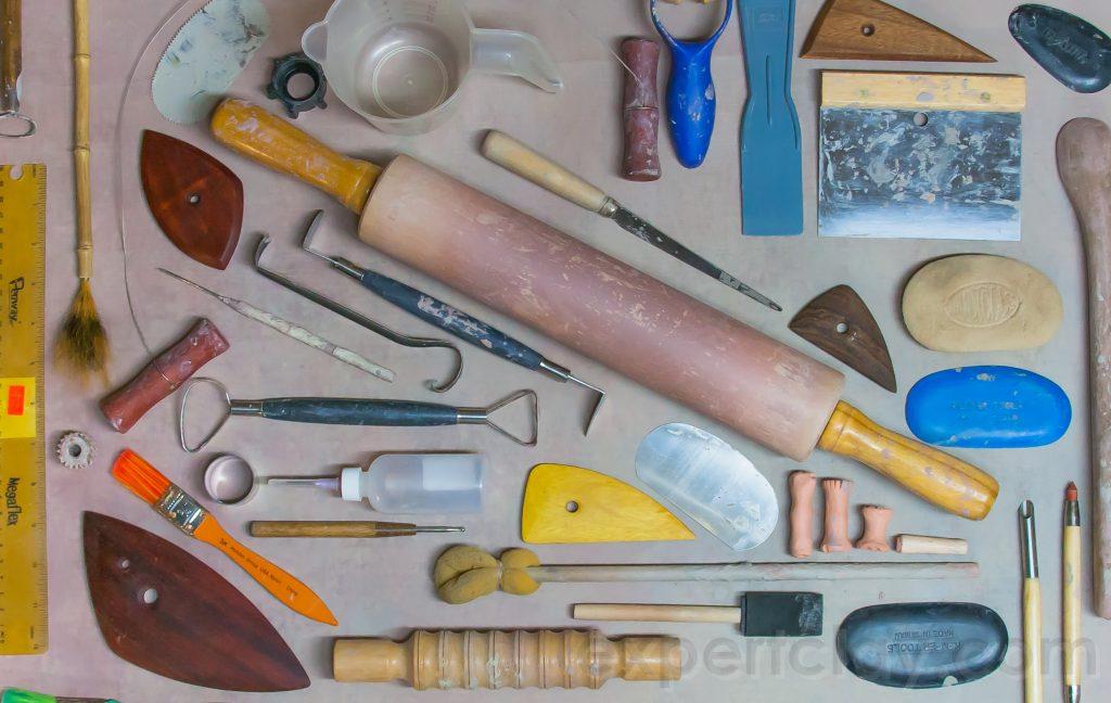 أدوات فخار منظمة